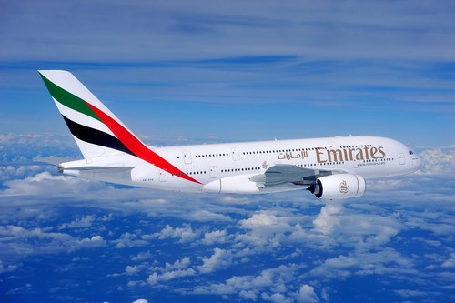 Emirates Airlines assume 4000 assistenti di volo